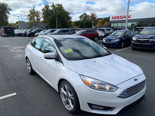 Pre-Owned 2015 Ford Focus Titanium With Sunroof