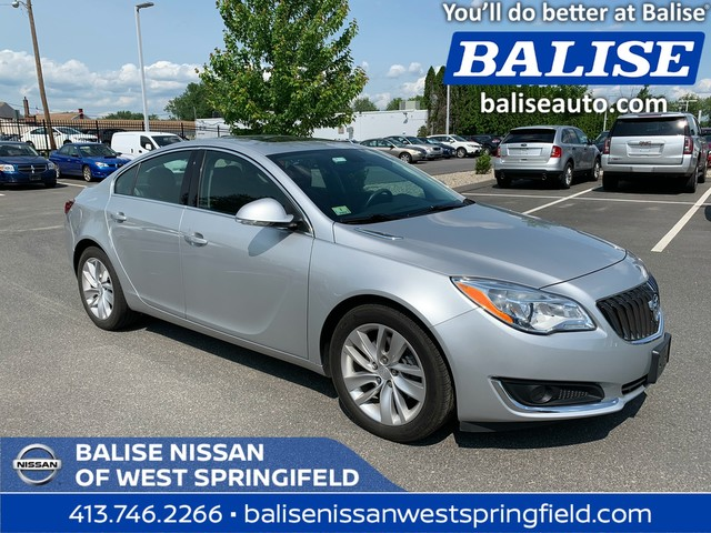 Pre-Owned 2015 Buick Regal Premium With Navigation and Sunroof