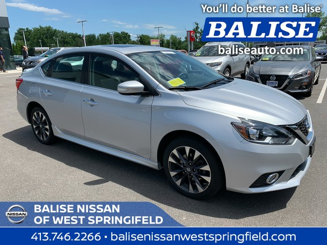 Pre-Owned 2016 Nissan Sentra SR With Navigation and Sunroof