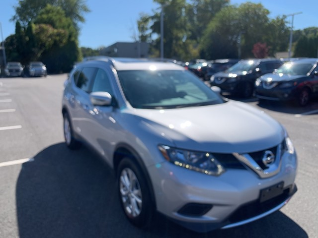 Pre-Owned 2016 Nissan Rogue AWD SV With Sunroof and Navigation