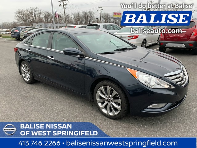 Pre Owned 2017 Hyundai Sonata Se With A Moonroof